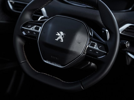 Compact steering wheel Peugeot i-Cockpit