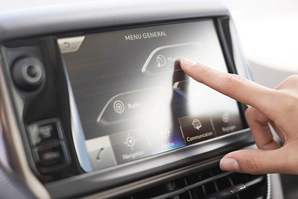 /image/31/8/peugeot_2008_multi-function_colour_touch_screen.167318.jpg