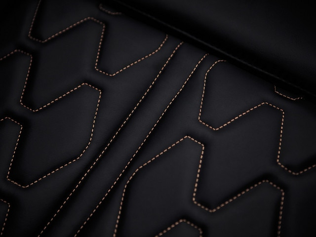 Sensory pleasure - Materials - Peugeot 5008 seat details